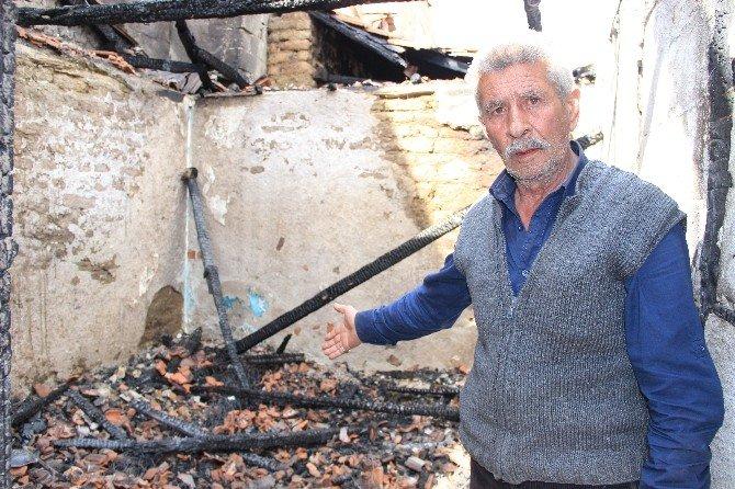 Edremit'te İki Ev Alevlere Teslim Oldu