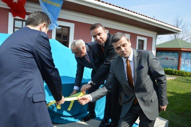 İstanbul'da Hoca Ahmed Yesevi Otağı İle Yesevi Türbesinin Maketi Açıldı