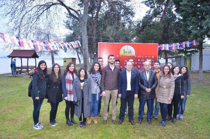 Tıp Öğrencileri İznik'te Sağlık Turnesi Gerçekleştirdi