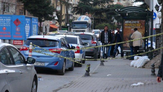 Kadıköy'de silahlı saldırı: 2 yaralı