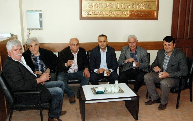 Ziraat Odası Misafirlere Çay Yerine Süt İkram Ediyor