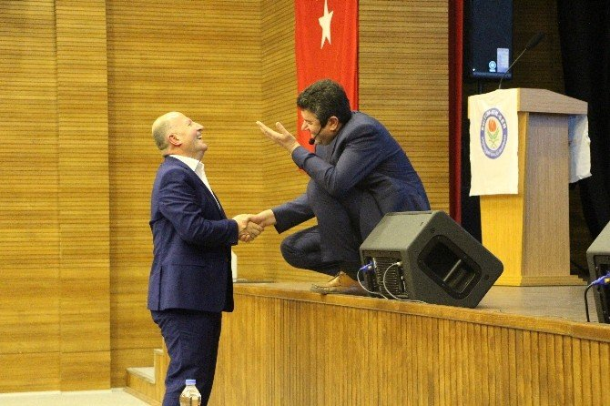 "Vezirköprü'de ""İlham Veren Öğretmen"" Konferansı"