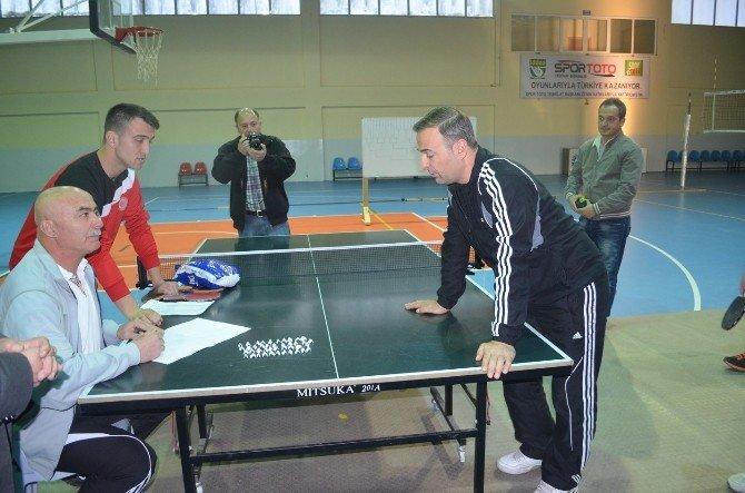 Masa Tenisi Turnuvası Başladı