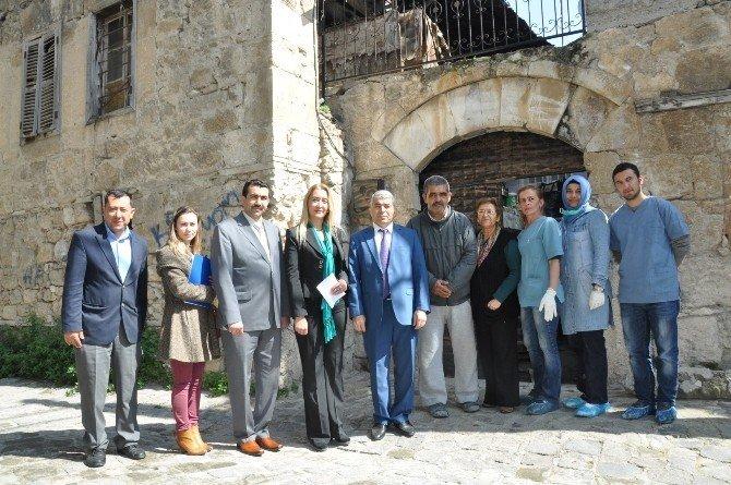 Tarsus'ta Yaşlılar 3. Bahar Projesiyle Yaşama Tutunuyor