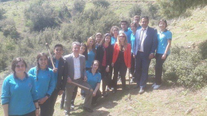 Sarıgöl'de Öğrenciler Hatıra Ormanı Kurdu