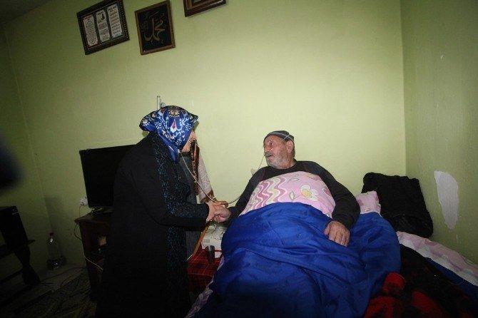 Tuba Işın Koah Hastası Baba Ve Oğlunu Ziyaret Etti