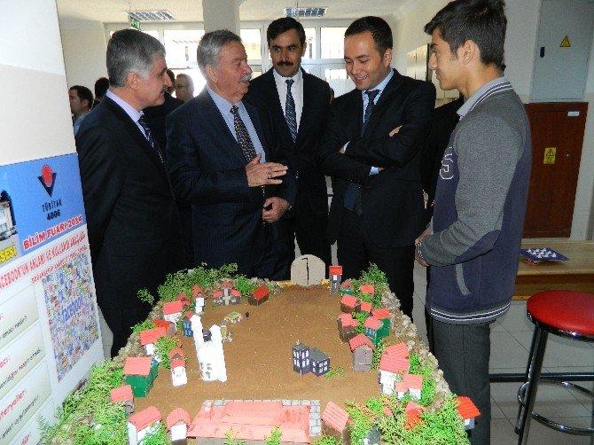 Doğanşehir Anadolu Lisesi Bilim Fuarı Açıldı