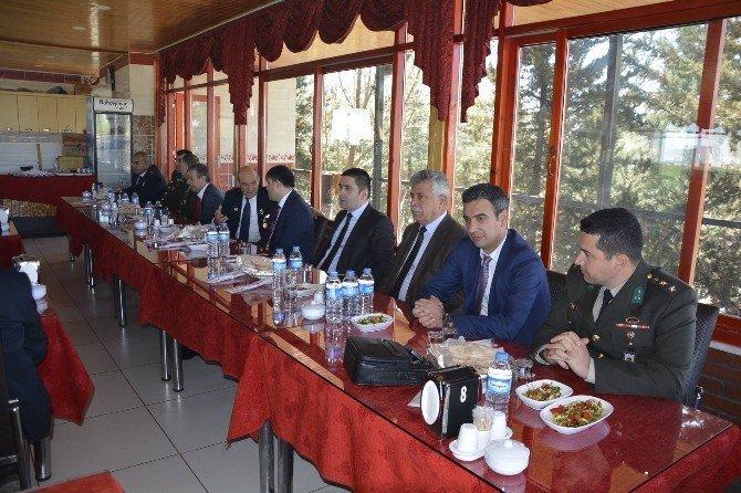 Viranşehir'de Şehit Aileleri Ve Gaziler Onuruna Yemek