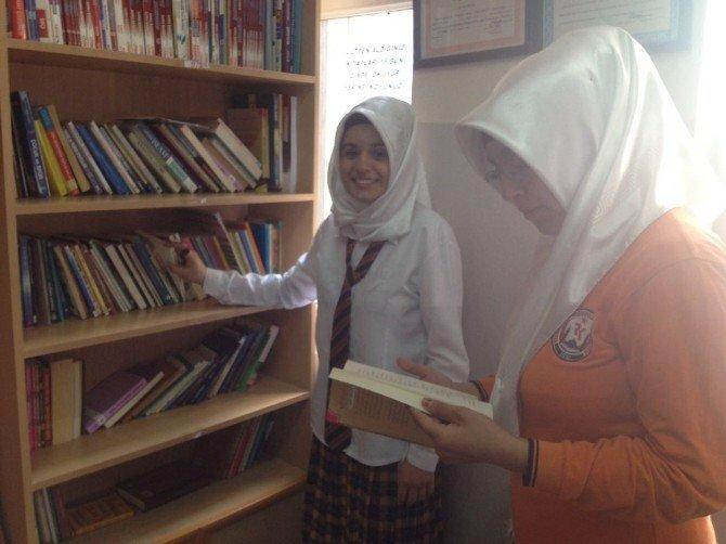 'Al Götür, Oku Getir' Kitap Okuma Uygulaması