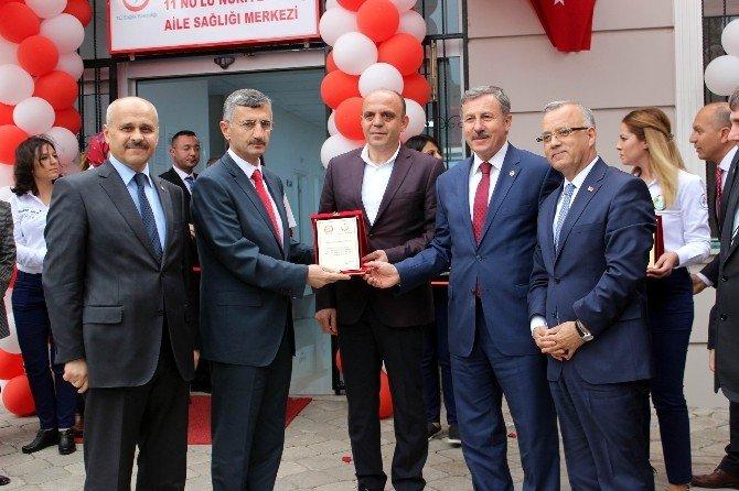 Salihli'de Nuriye Özbaş Aile Sağlığı Merkezi Açıldı