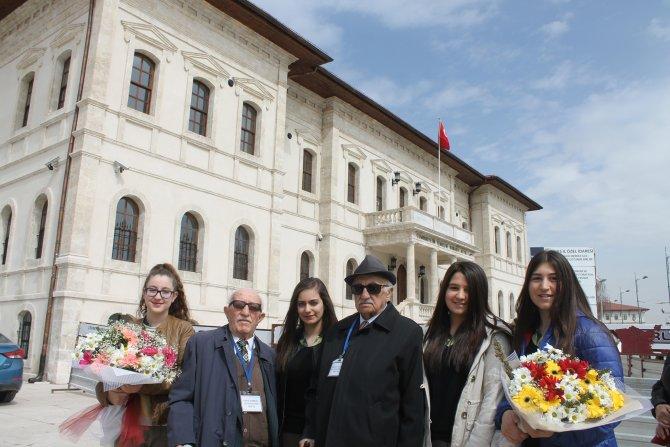 Sivas Lisesi'nin ilk mezunları okulda buluştu
