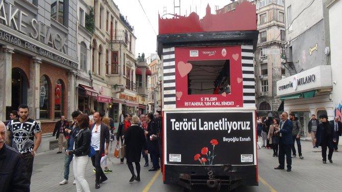 Nostaljik tramvay, terörü lanetlemek için sefer aldı
