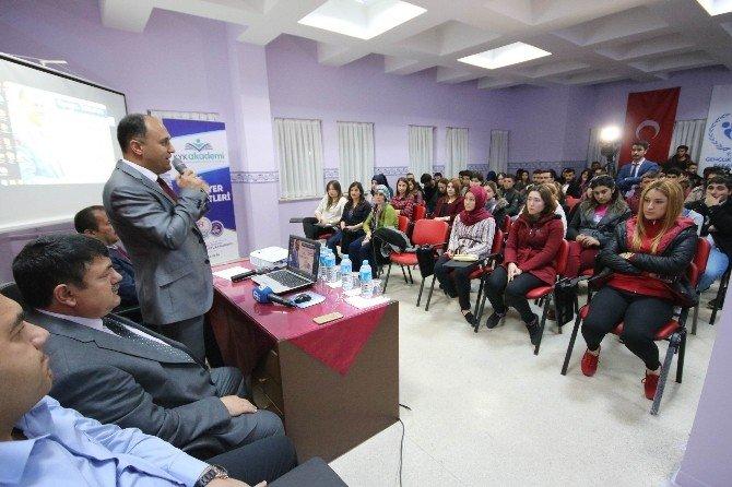 Başkan Özaltun Üniversite Öğrencileriyle Buluştu