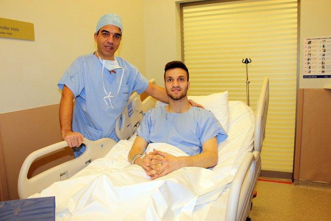 Bursaspor'lu Erdem Özgenç ve Okan Koçak ameliyat oldu