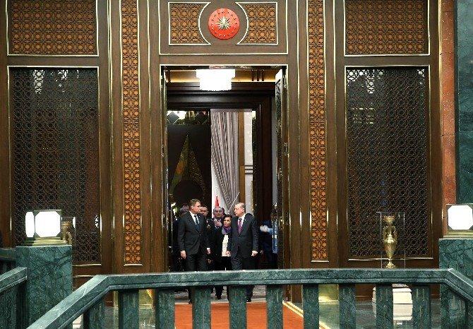 Cumhurbaşkanı Erdoğan İle Romanya Cumhurbaşkanı İohannis Baş Başa Görüştü