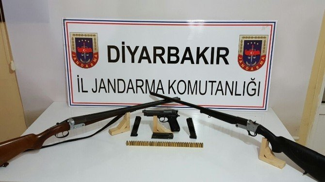 Diyarbakır'da Çok Sayıda Silah Ve Mühimmat Ele Geçirildi