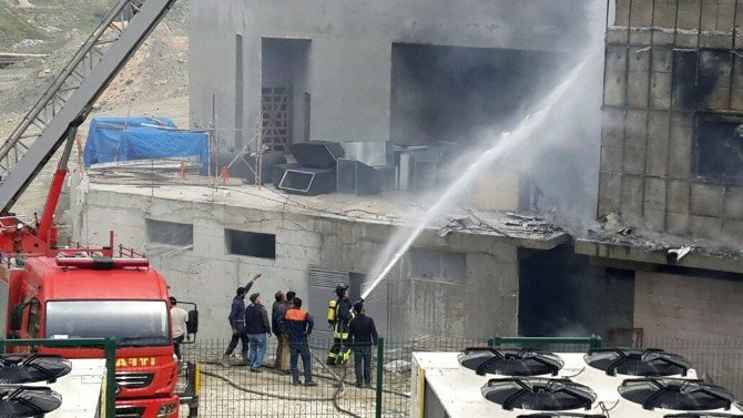 Hastane İnşaatında Korkutan Yangın