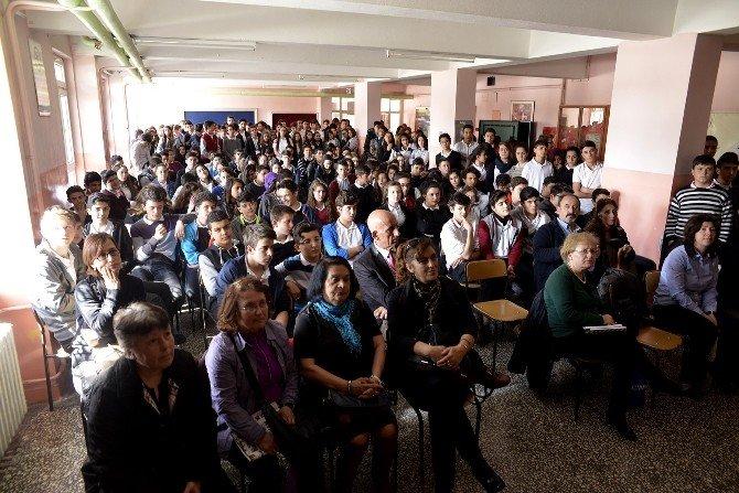 Tepebaşı Belediyesi'nden Bilgelendirme Eğitimlerine Destek
