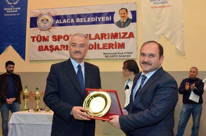 Alaca Belediyesi Voleybol Turnuvası Sona Erdi