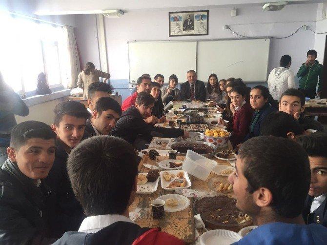 Yüksekovalı Öğrencilere Kahvaltı