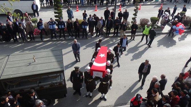 Şehit Uzman Çavuş Elazığ'da son yolculuğuna uğurlandı