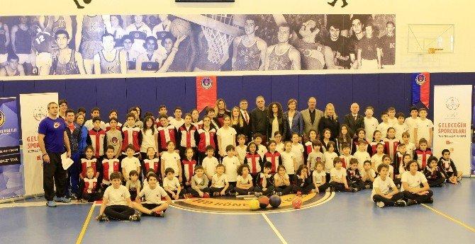 TED Ronesans Kolejinden Geleceğin Sporcularına Destek