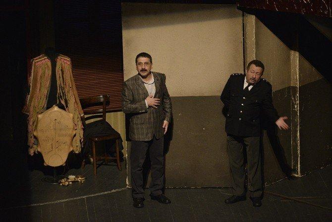 Tiyatro Festivaline Büyük İlgi