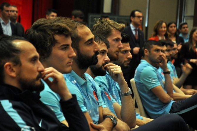 Milli Takım'ın 'renkli destekçisi' DYO ile sponsorluk anlaşması