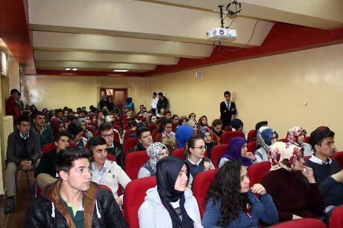 Yakın Doğu Üniversitesi Üniversiteye Hazırlanan Öğrencilere Tanıtıldı