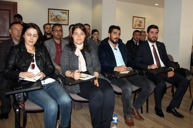 Suriyelilerin Artan Nüfusu Gazetecileri Arapçaya Yöneltti