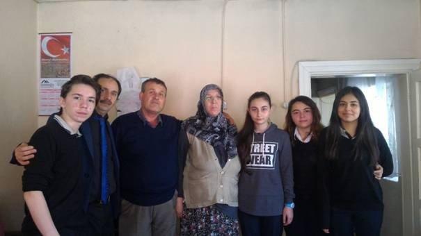 Anadolu Lisesi Öğrencileri Şehit Ailesini Ziyaret Etti