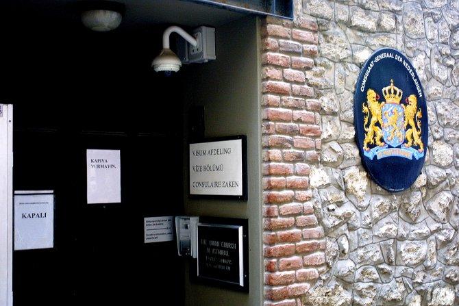Hollanda Başkonsolosluğu kapatıldı