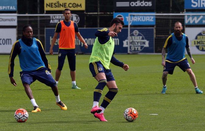 Fenerbahçe, millilerden yoksun çalışmalarını sürdürüyor
