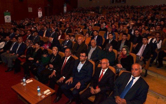 'Mekteb-i Sultaniye' Oyunu Duygulandırdı