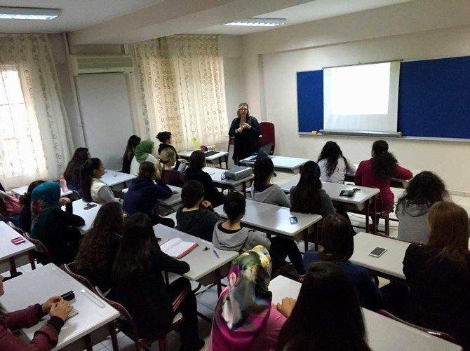 Üniversitelilere Etkili İletişim Ve Bedeb Dili Anlatıldı