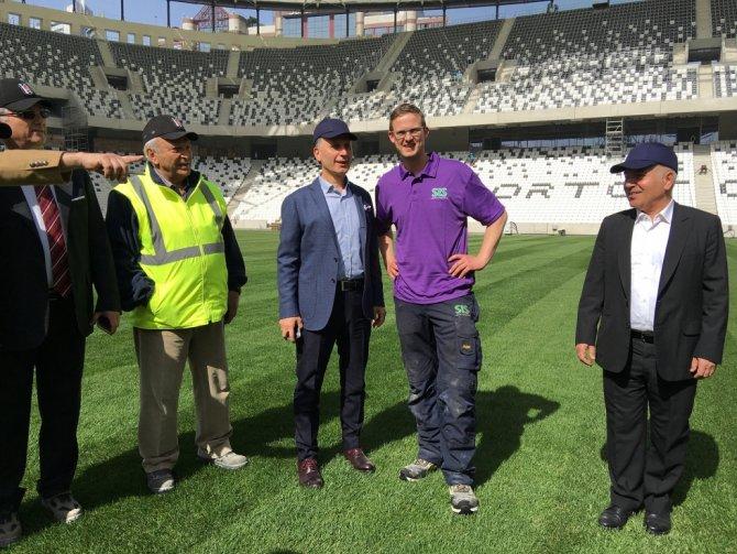Trabzonspor Başkanı Muharrem Usta, Vodafone Arena'yı gezdi