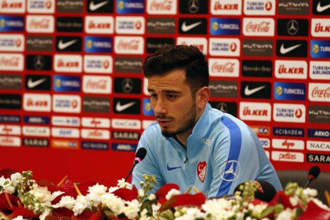 Oğuzhan Özyakup: Hem Milli Takım'da hem de Beşiktaş'ta elimden geleni yapıyorum