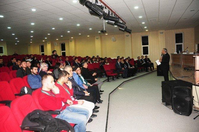 YYÜ'de 'Uluslararası Göçler Ve Türkiye' Konulu Panel