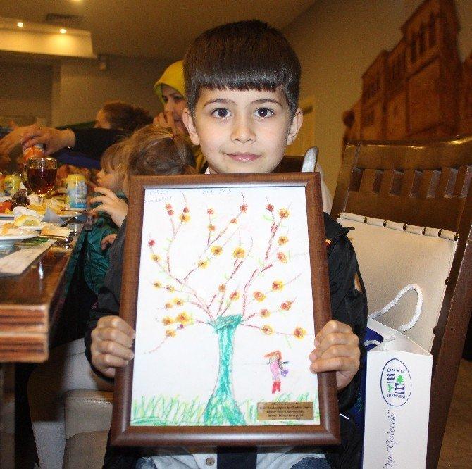 Miniklerin Yardımına, Türkmen Çocuklardan 'Resimli' Teşekkür