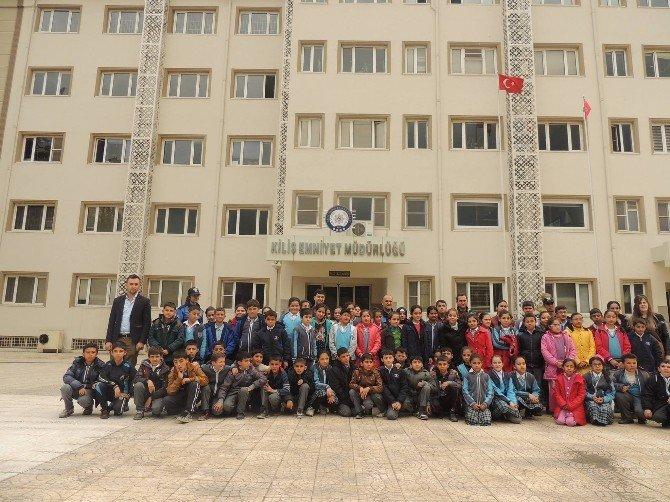 Öğrenciler, Emniyet Müdürlüğü'nü Gezdi
