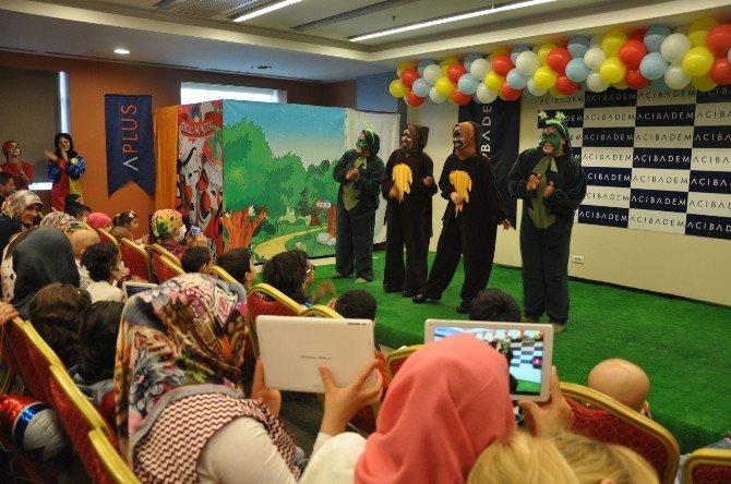 Onkoloji Hastası Çocukların Hastanede Tiyatro Keyfi