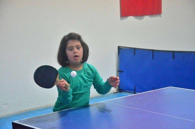 Özel Sporcular Kız Ve Erkek Masa Tenisi Müsabakaları