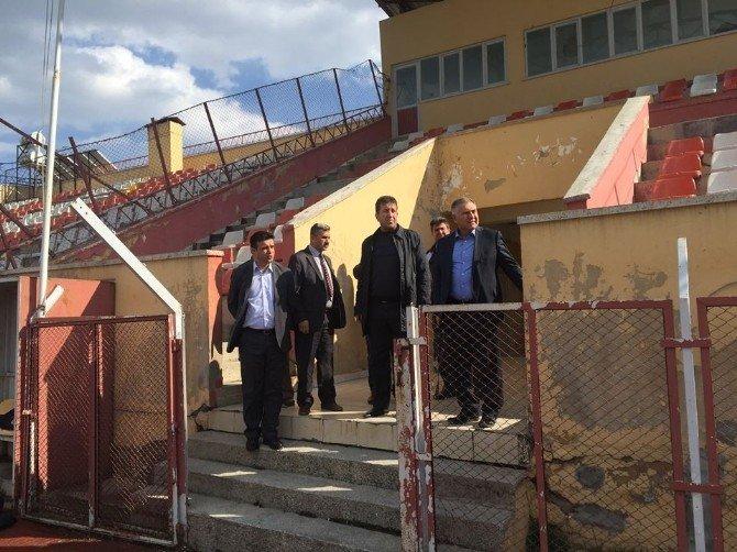 Müdür Bağcı, Besni Stadında İncelemelerde Bulundu