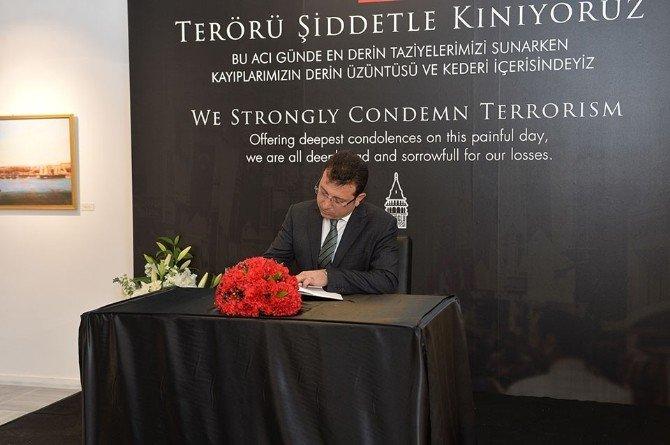 Belediye Başkanları Taziye Defterini İmzaladı