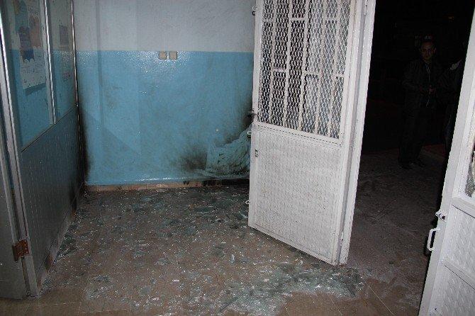 Batman'da Okula El Yapımı Bomba Atıldı