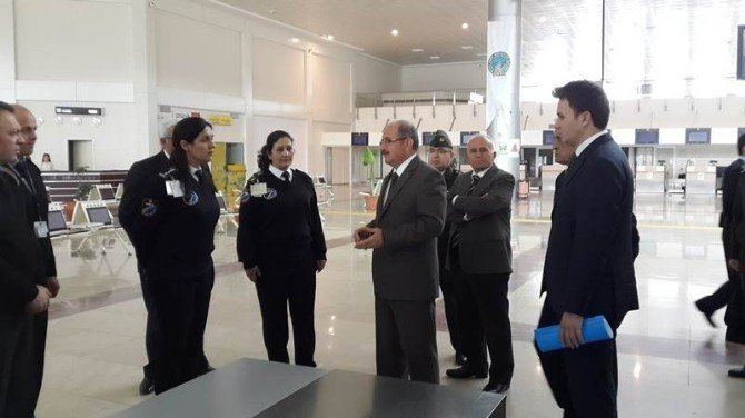 Çardak Havalimanı'nda Güvenlik Toplantısı Yapıldı