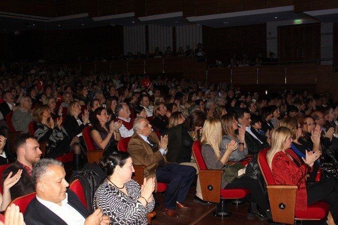 Erol Evgin İzmirlileri 'Mustafa Kemal' Konseriyle Büyüledi