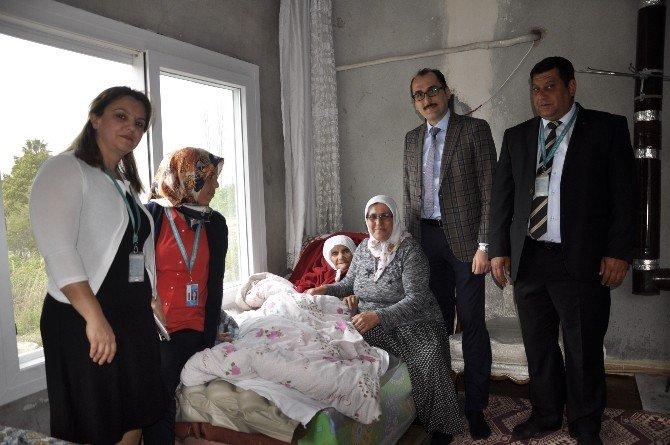 Toplum Sağlığı Merkezi'nden Yaşlılara Ziyaret