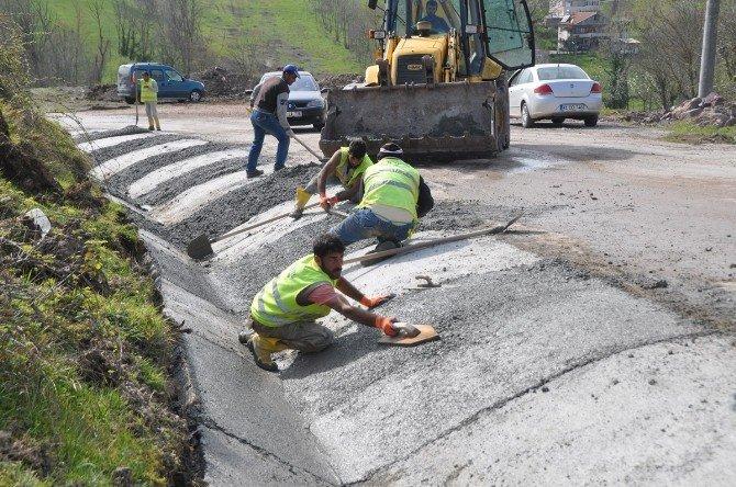Kartepe'de Üst Yapı Yenileme Çalışmaları Sürüyor
