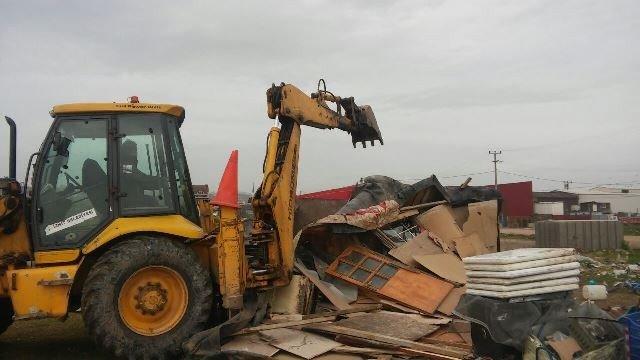 Sanayi Mahallesindeki 57 Çadır Kaldırıldı